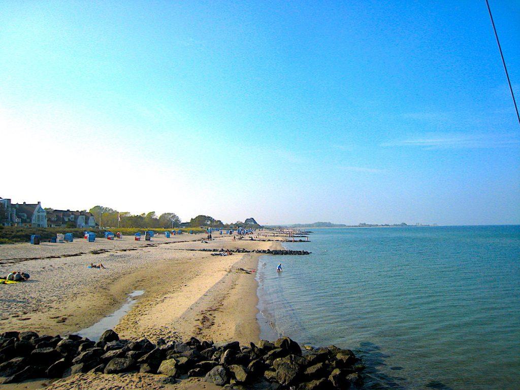 Die Hohwachter Bucht ist perfekt für lange Strandspaziergänge
