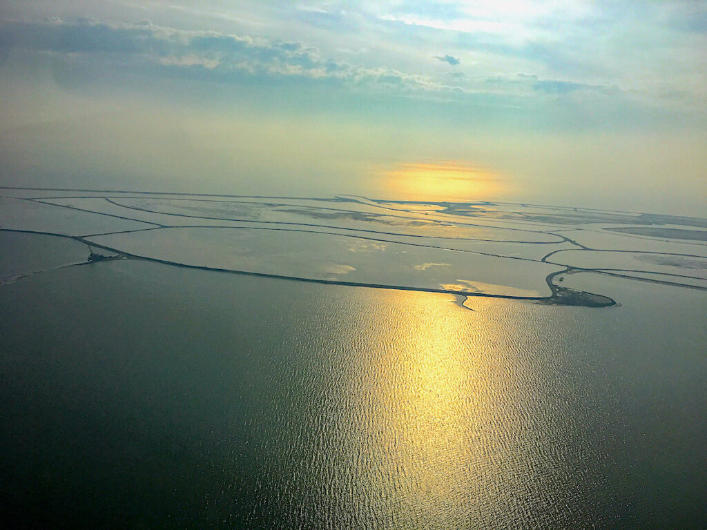 Die Marker Wadden sind heute durch einen Deich vom IJsselmeer abgetrennt.