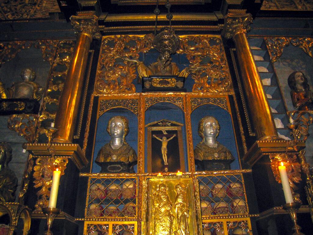 Die Goldene Kammer von St. Ursula ist legendär und eine bemerkenswerte NRW Sehenswürdigkeit